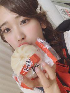 アビバ新杉田店様でトイレットペーパー売りの少女をした柳瀬。